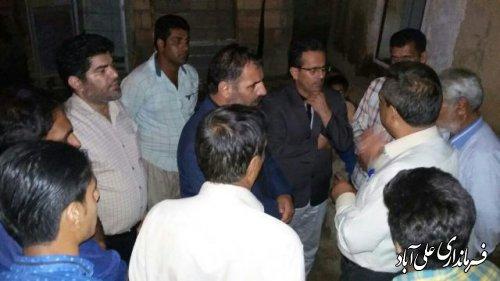 بازدید بخشدار مرکزی از محل حادثه آتش سوزی روستای بلوچ آباد