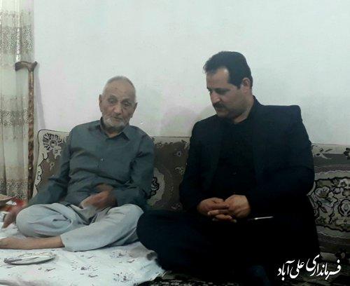 دیدار فرماندار با خانواده شهید سوخته سرایی به مناسبت هفته دفاع مقدس