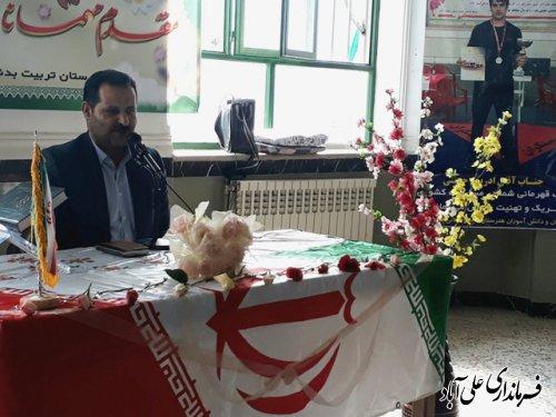 تجلیل فرماندار علی آباد کتول از دانش آموز قهرمان کشتی کشوری