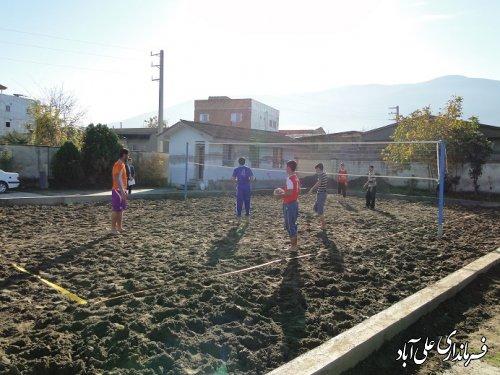 احداث زمین والیبال ساحلی در آموزشگاه استثنایی حکمت نوده