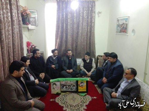 دیدار فرماندار علی آبادکتول با خانواده معظم شهدای انقلاب اسلامی