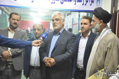 بازدید دکتر طهرانچیرئیس دانشگاه آزاد اسلامی از نمایشگاه دستاوردهای پژوهشی در واحد علیآبادکتول