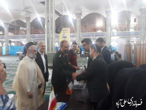 استقرار میز خدمت ادارات در مصلی امام رضا علیه السلام علی آبادکتول