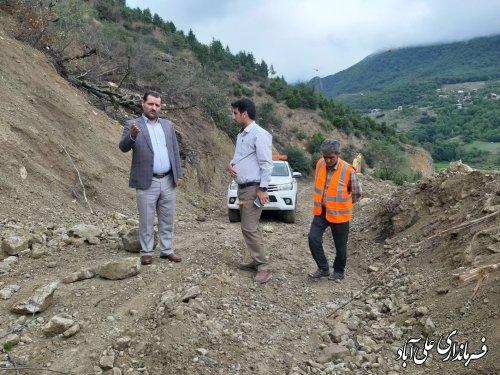 بازدید فرماندار از پروژه بازسازی جاده میان رستاق