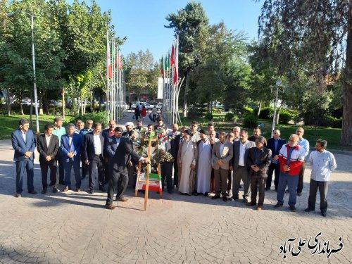 ادای احترام و تجدید میثاق فرماندار و اعضای شورای اداری به شهدای شهرستان علی آبادکتول