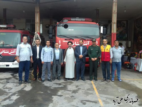 دیدار فرماندار با کارکنان واحد آتش نشانی شهرداری های علی آبادکتول و فاضل آباد