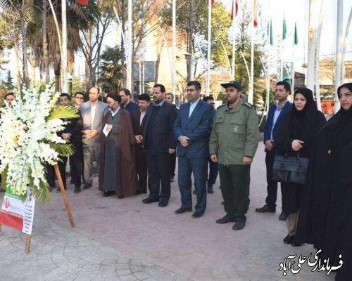 """برگزاری مراسم ادای احترام به شهدای گرانقدر شهرستان در نخستین روز از گرامیداشت """" ایام الله دهه فجر """""""