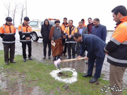 کلنگ زنی پروژه عمرانی ایمن سازی دوربرگردانهای عباس آباد،حکیم آباد و چپ گرد کمربندی شهرستان