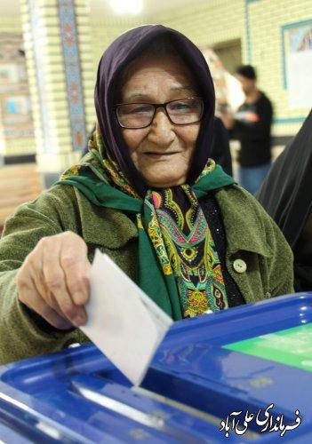 حضور مردم در انتخابات ابهت ملت ایران در چشم دیگر ملتهاست.