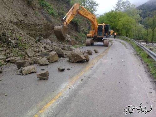 رانش وریزش کوه وانسداد برخی مسیرهای کوهستانی علی آباد کتول