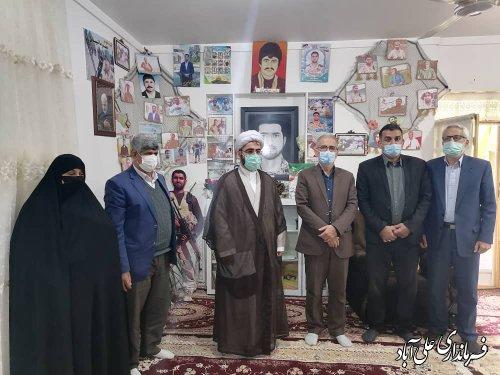 دیدار فرماندار علی آباد کتول با خانواده شهید مدافع حرم محمدرضا شیبانی مجد