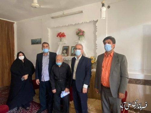 دیدار فرماندار با خانواده معزز شهدای کارمند شهرستان علی آباد کتول